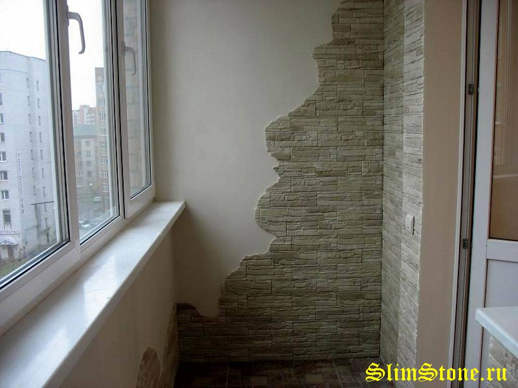 Отделка балкона плиткой под камень фото..